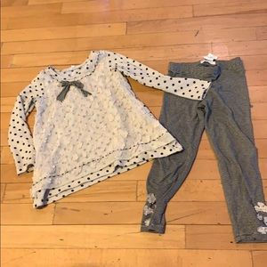 Baby Sara outfit size 4